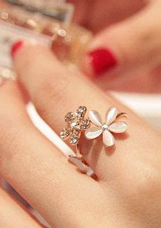 Daisy Flower Crystal Ring