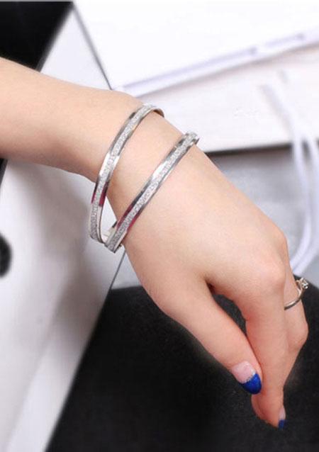 Silver Frosted Alloy Bracelet 7486
