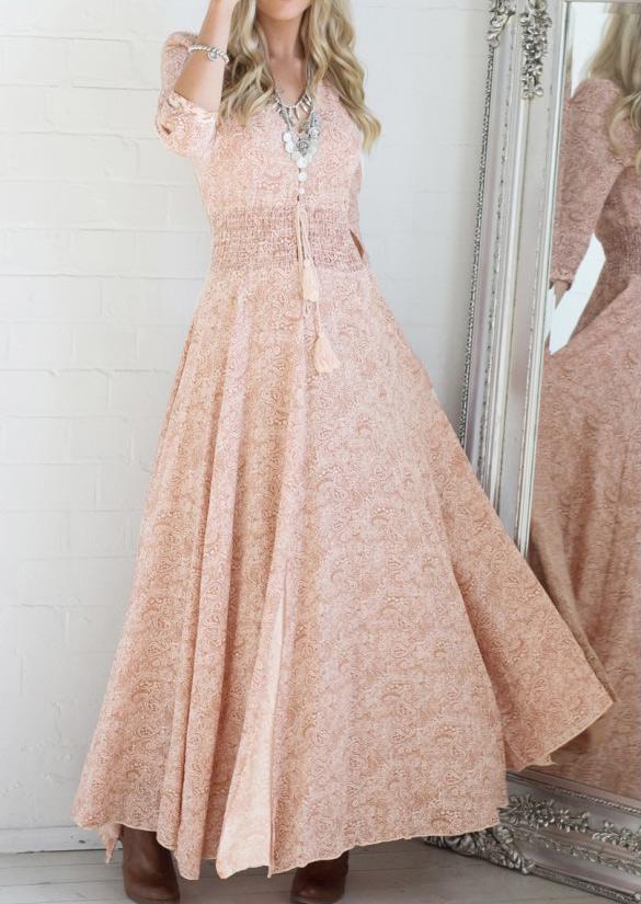 Rochie de seară, elegantă, plisată, cu inserții din dantelă, mâneci 3/4 și guler în v