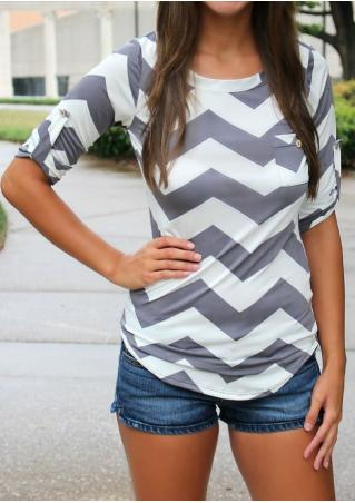 Zigzag Printed Pocket Casual T-Shirt Without Necklace