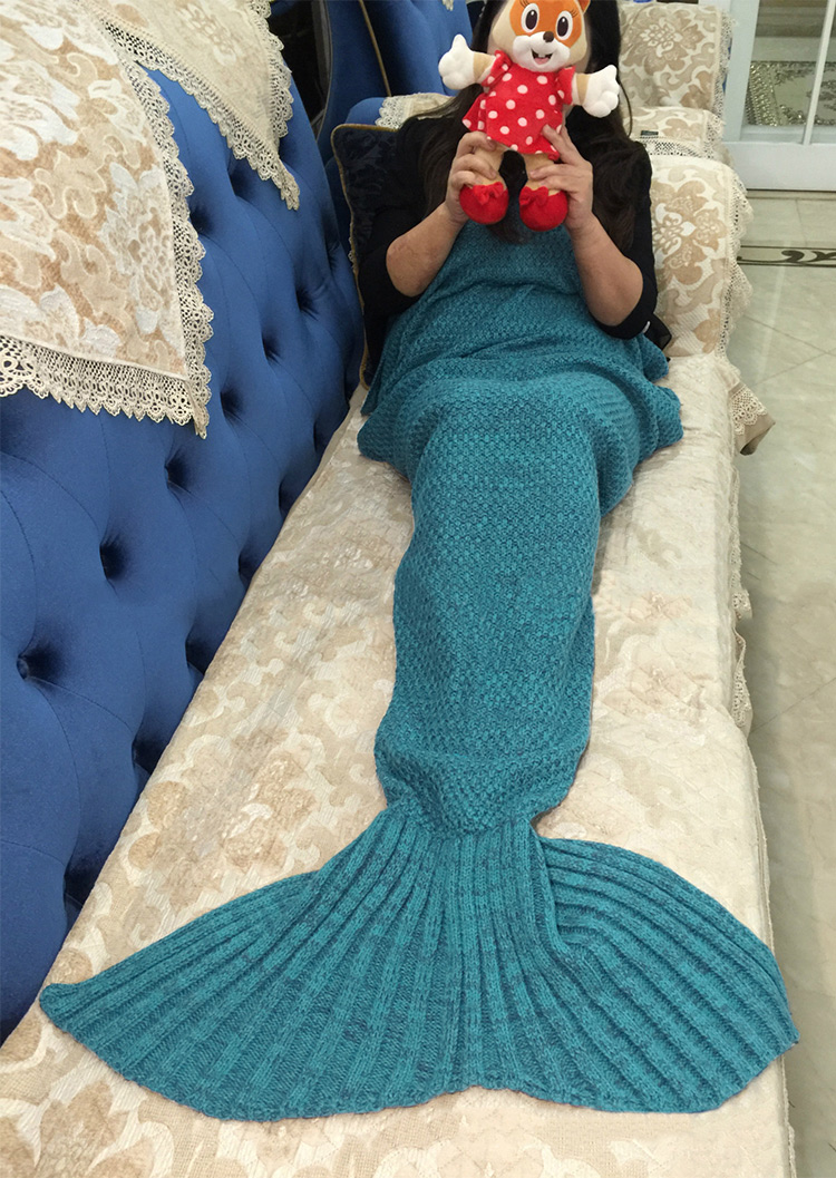 Solid Knitted Warm Fishtail Design Blanket