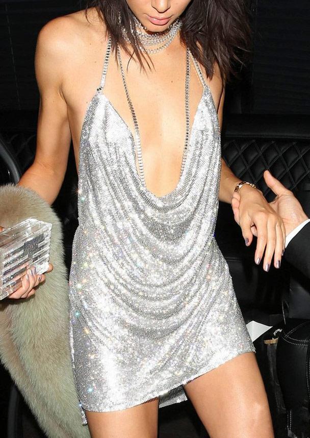 Rochie mini, fashion, sexy, cu paiete, fără mâneci și decolteu adânc în V