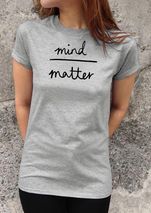 Tricou de damă, elegant, fashion, cu mâneci scurte, guler rotund și imprimeu grafic
