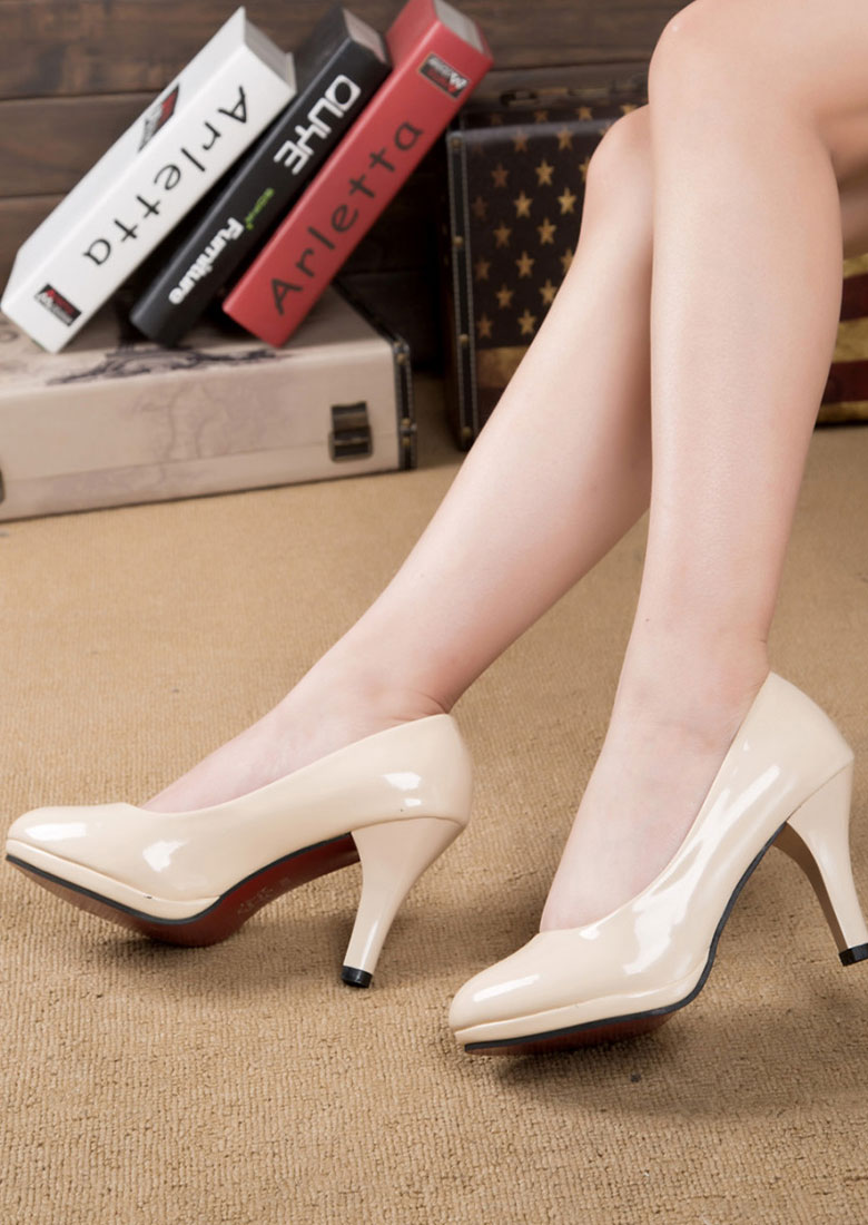 Image of Round Toe Heeled Pumps