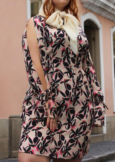 Image of Leaf Printed Tie Casual Dress without Brooch