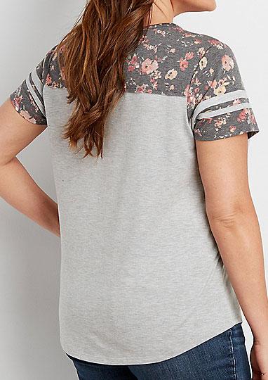 Image of 74 Floral Splicing V-Neck T-Shirt