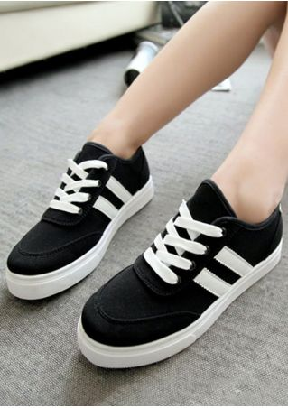 Lace Up Round Toe Flat Sneakers