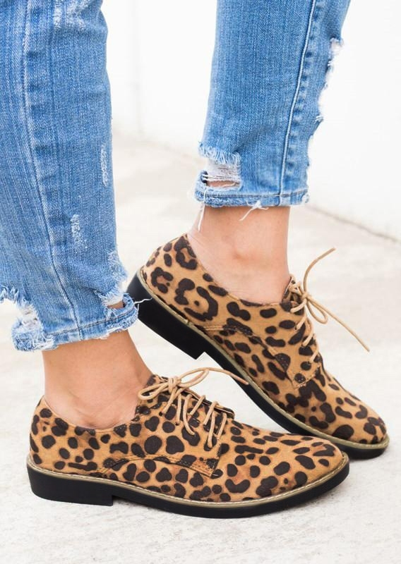 Flats Leopard Print Lace Up Flats in Leopard. Size: 37,38,40 фото