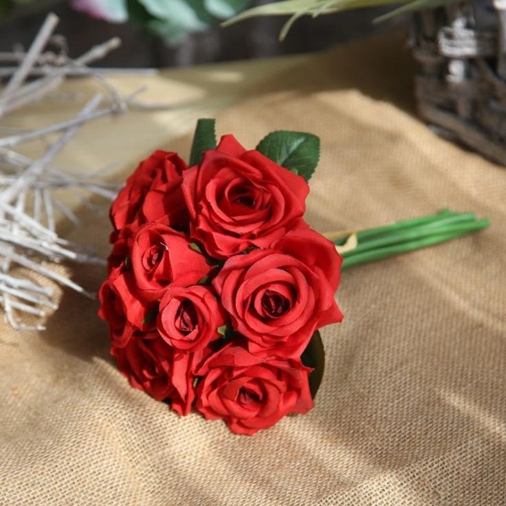 Image of Simulation Rose Bouquet Decoration