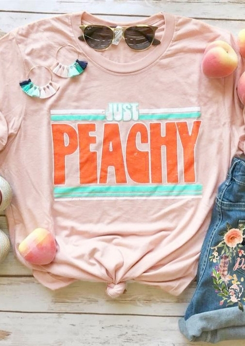 Tees T-shirts Just Peachy Short Sleeve T-Shirt Tee in Pink. Size: S фото