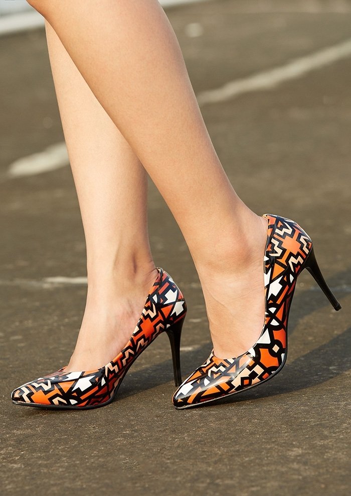 Image of Printed Pointed Toe Heeled Pumps
