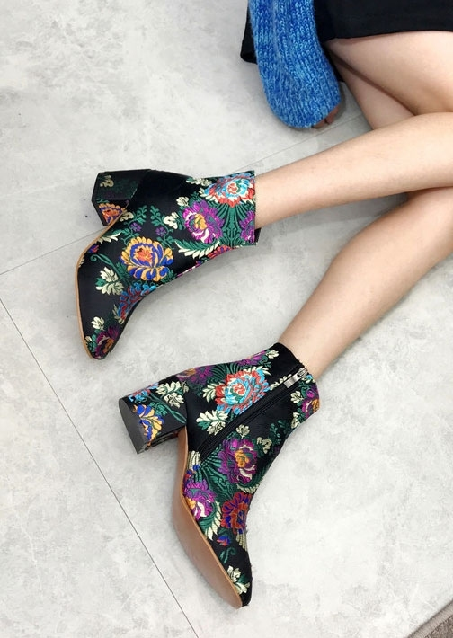 Image of Embroidered Ethnic Style Zipper Ankle Boots
