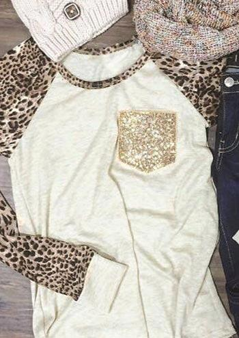 Tees T-shirts Leopard Sequined Pocket Baseball T-Shirt Tee in White. Size: S,M,L,XL фото