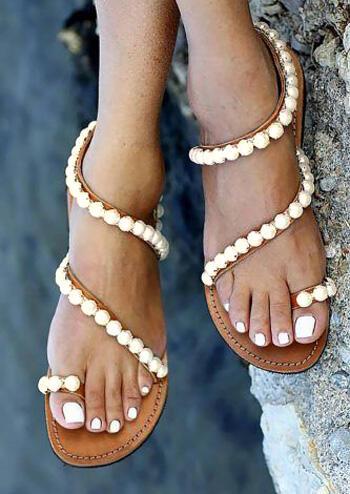 Beading Round Toe Flat Sandals