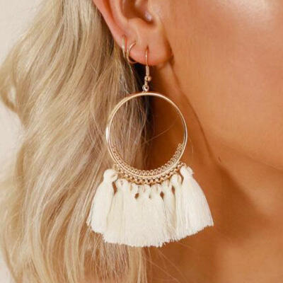 Earrings Ring Tassel Earrings in White. Size: One Size фото