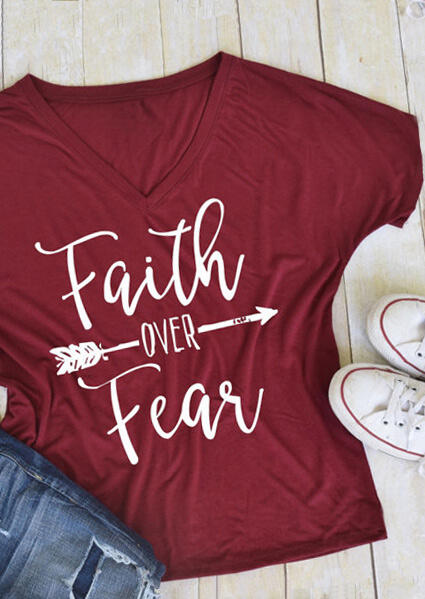 Tees T-shirts Faith Over Fear Arrow T-Shirt in Burgundy. Size: S,M,L,XL,2XL,3XL фото