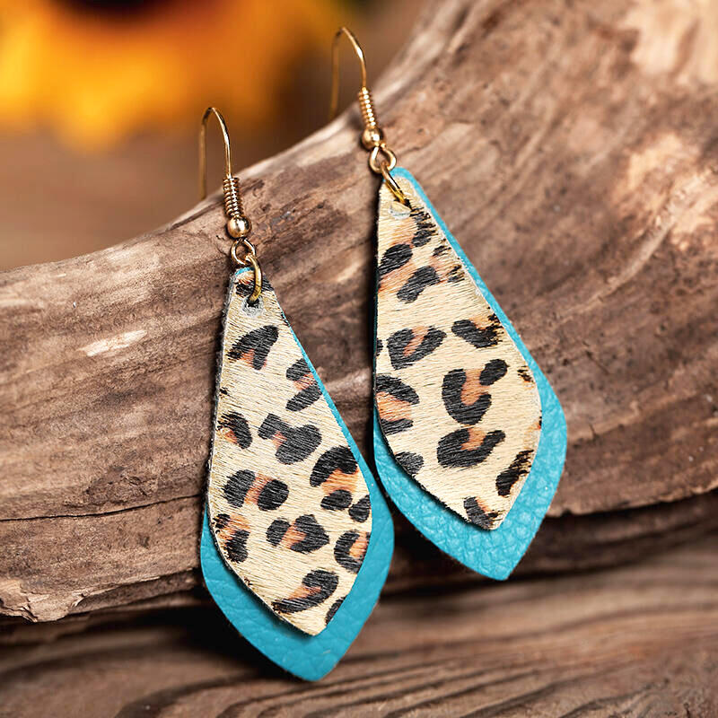 Earrings Leopard Printed Layed Leather Earrings in Black,Green,Red. Size: One Size фото