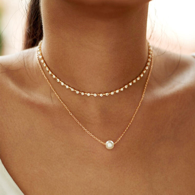 Necklaces Multi-Layered Rhinestone Pearl Pendant Necklace in Gold. Size: One Size фото