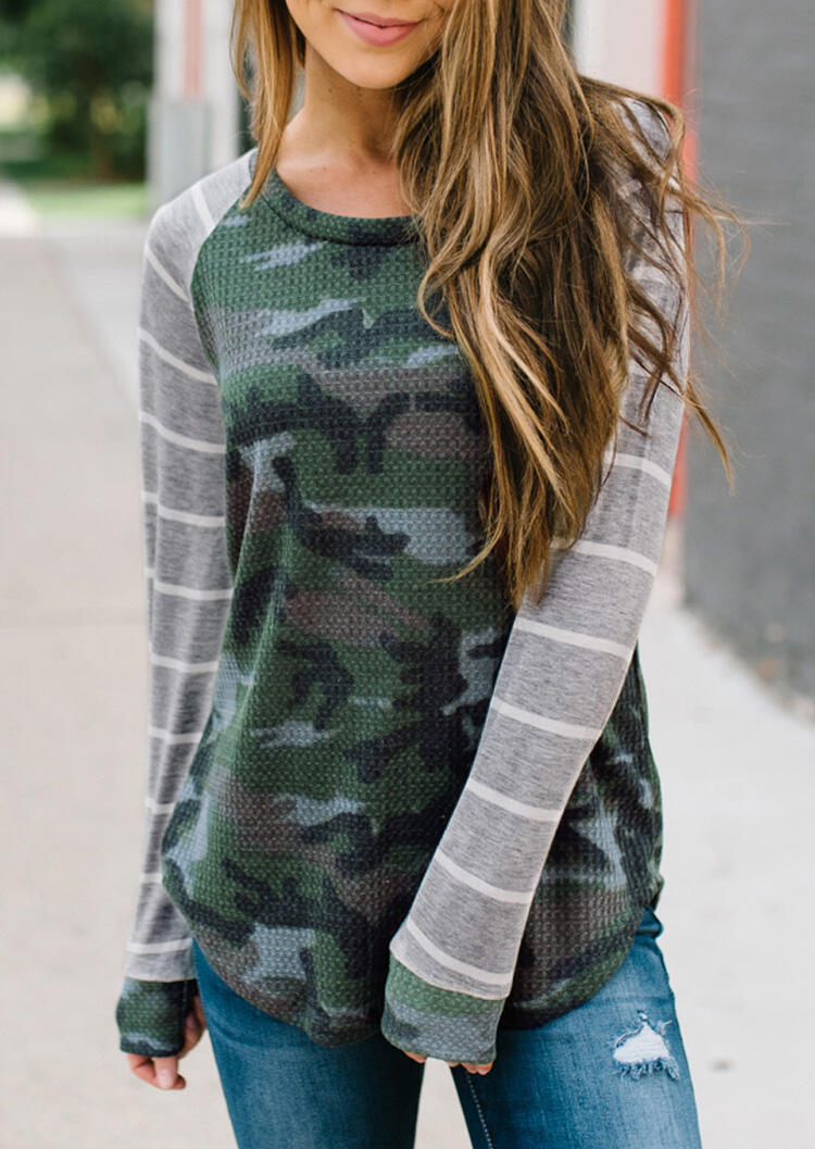 Tees T-shirts Camouflage Striped T-Shirt Tee in Camouflage. Size: S,M,L,XL фото