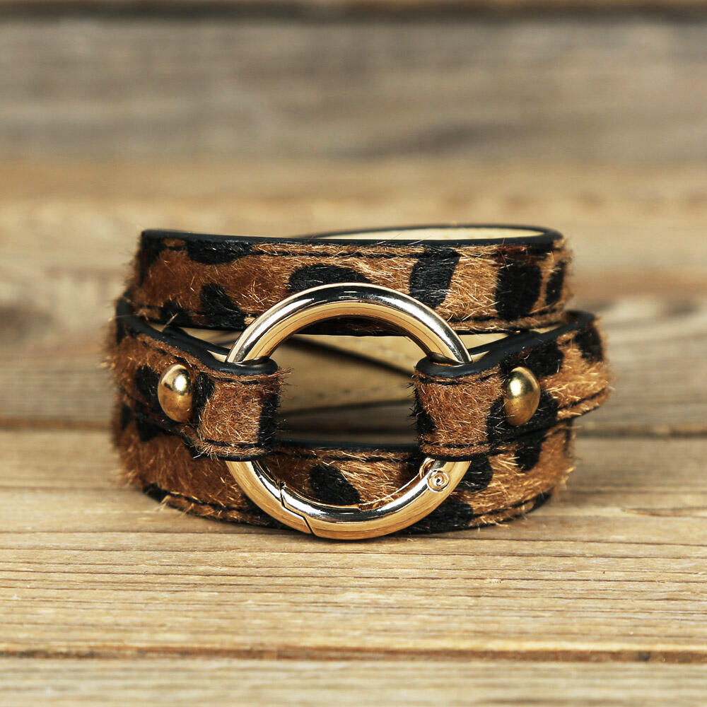 Bracelet Leopard Printed Adjustable Wide Leather Bracelet in DarkCoffee. Size: One Size фото
