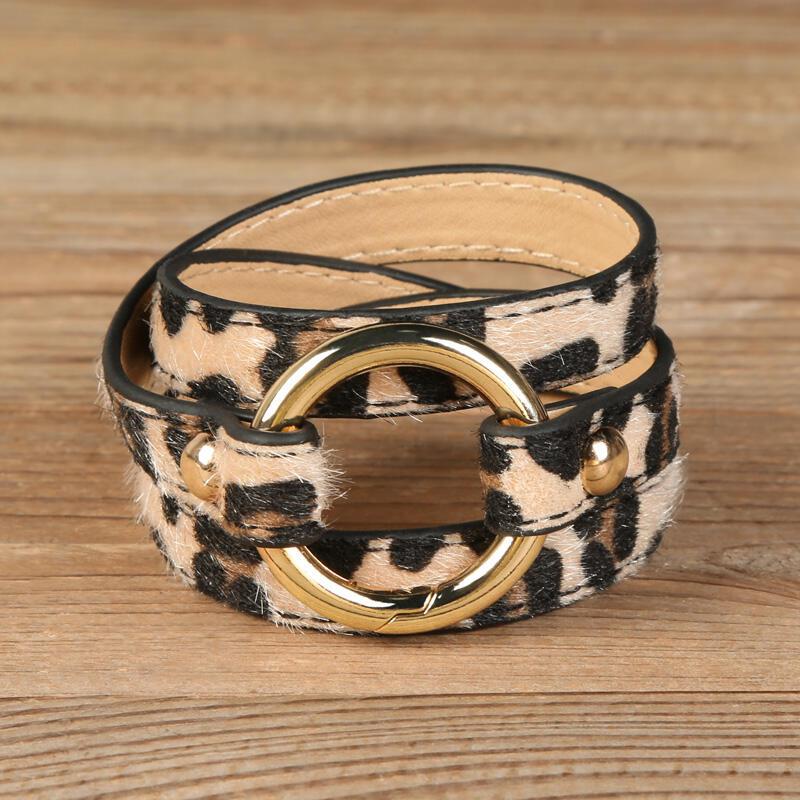 Bracelet Leopard Printed Adjustable Wide Leather Bracelet in Light Brown. Size: One Size фото