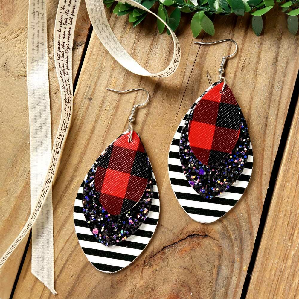 Earrings Multi-Layered Sequined Striped Leather Earrings in Black,Pink,Multicolor. Size: One Size фото