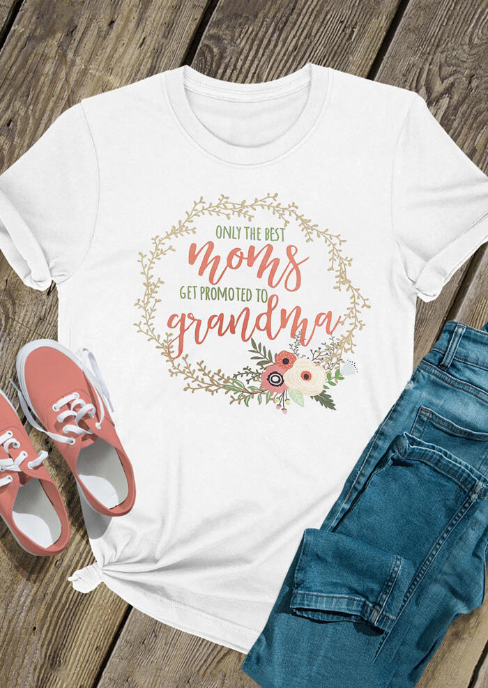 Tees T-shirts Only The Best Moms Get Promoted To Grandma T-Shirt Tee in White. Size: S,M,L фото