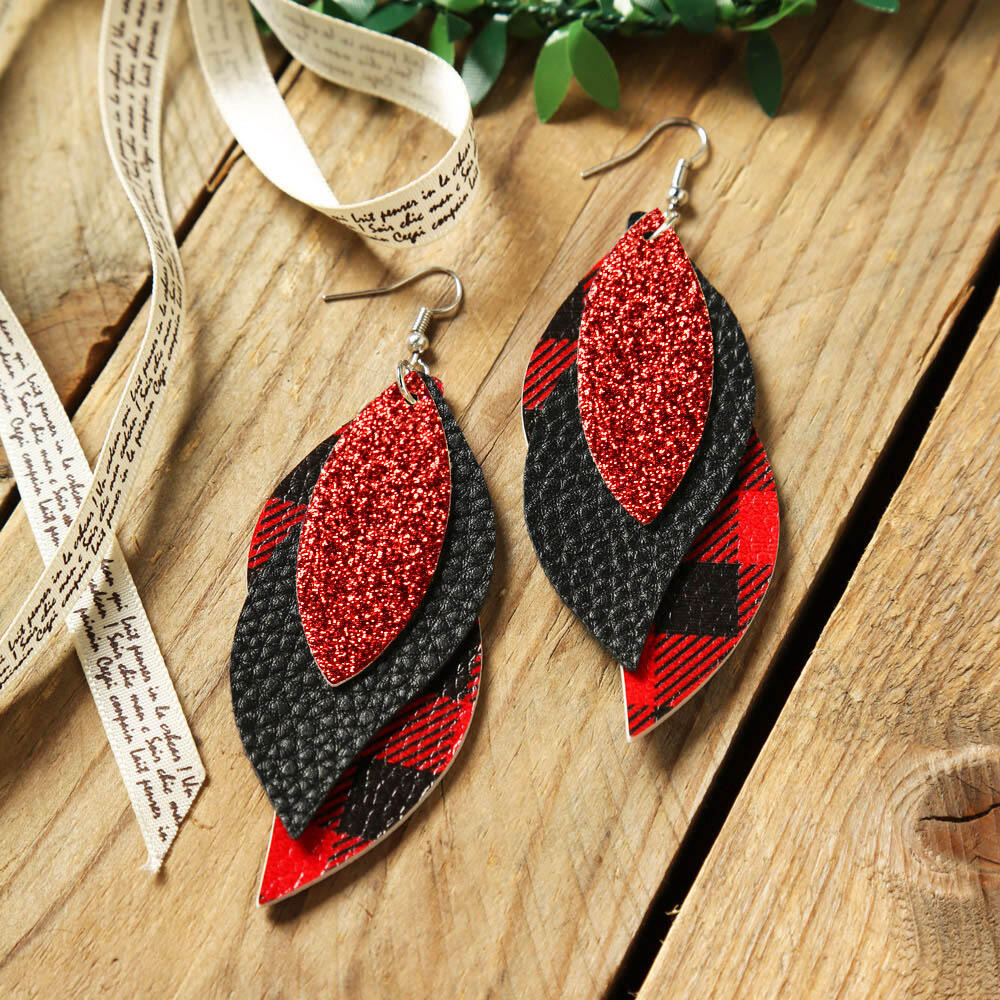 Earrings Three-Layered Sequined Plaid Leather Earrings in Green,Red. Size: One Size фото