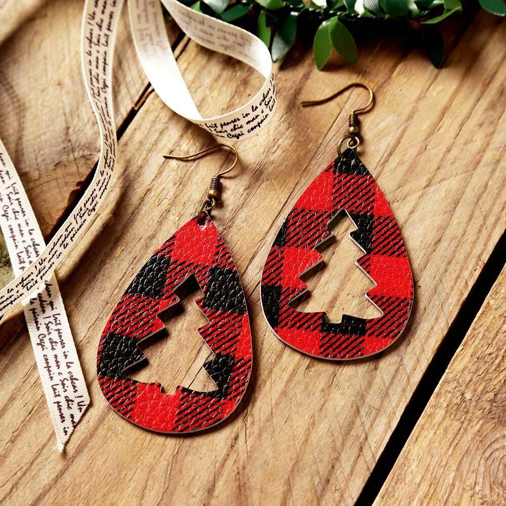 Red and Black Plaid Christmas Tree Hollow Out Earrings in Red. Size: One Size фото