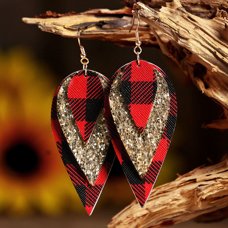 Earrings Plaid Sequined Three-Layered PU Leather Earrings in Black. Size: One Size фото