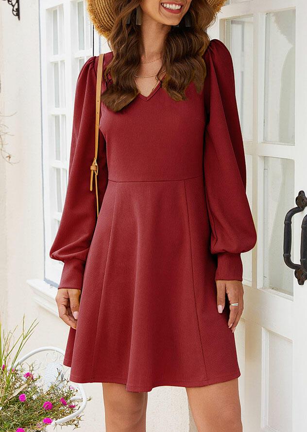 Mini-robe de V-Cou de la Lanterne Manches Mini Robe sans Collier - Bourgogne. Taille: S,M,L,XL