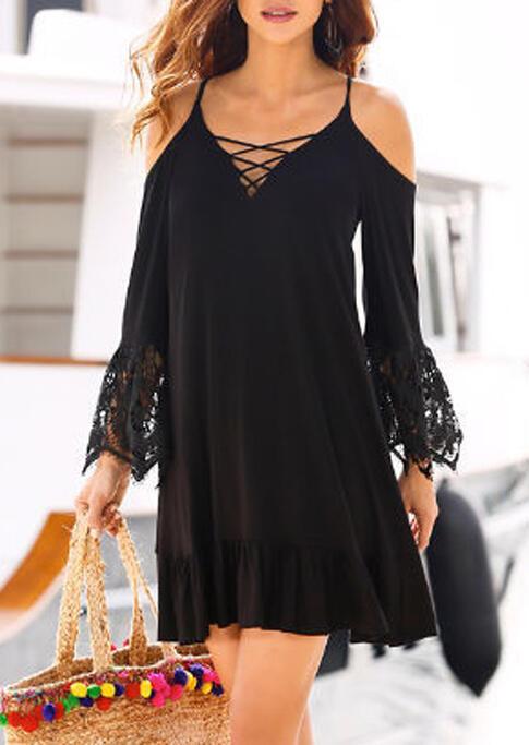 Mini Dresses Lace Splicing Criss-Cross Ruffled Mini Dress in Black. Size: S фото