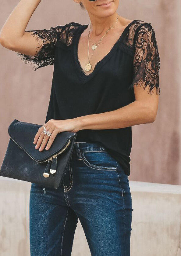 Blouses Lace Splicing V-Neck Blouse without Necklace in Black. Size: S,M фото