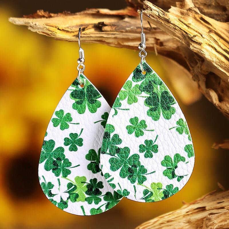 Earrings St. Patrick's Day Lucky Shamrock PU Leather Earrings in Green. Size: One Size фото