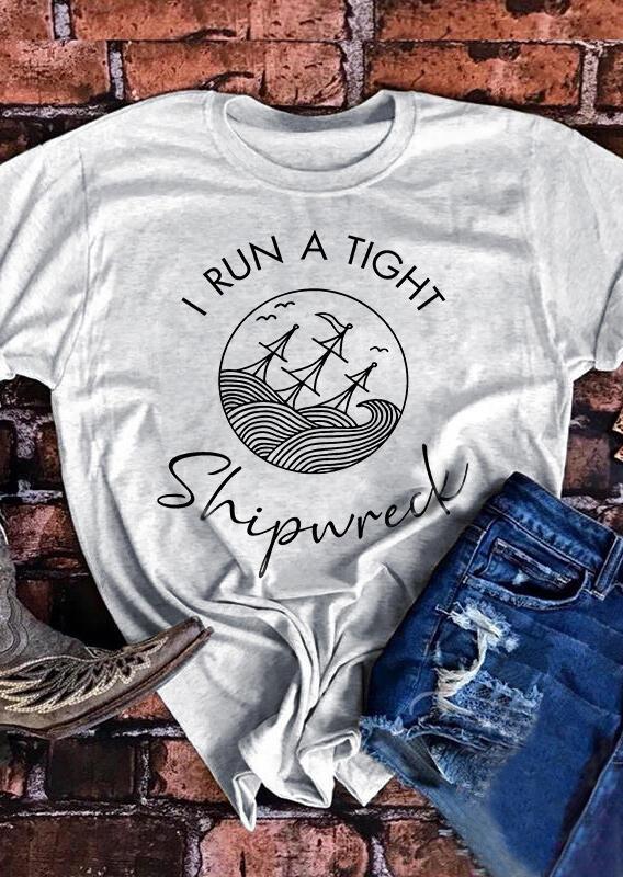 Tees T-shirts I Run A Tight Shipwreck T-Shirt Tee in Light Grey. Size: S,XL фото