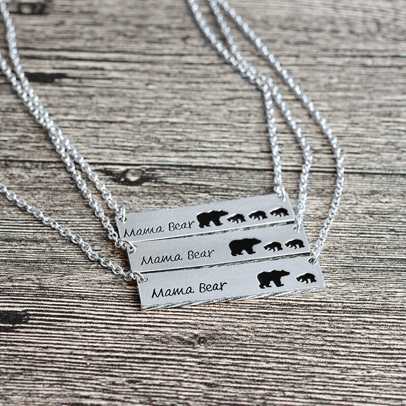 Mama Bear Pendant Alloy Necklace in Pattern1,Pattern2,Pattern3. Size: One Size фото