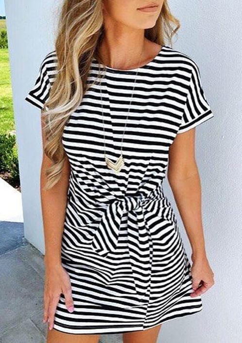 Mini Dresses Striped Pocket Tie Mini Dress without Necklace in Stripe. Size: S,M,L,XL фото