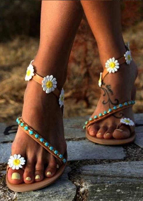 Daisy Bead Slip On Flat Sandals фото