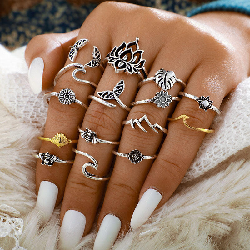 Rings 15Pcs Vintage Bee Lotus Sunflower Rings in Silver. Size: One Size фото