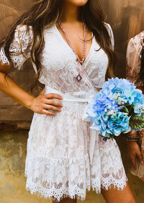 White Lace Splicing Wrap Bridesmaid Cocktail Mini Dress in White. Size: S фото