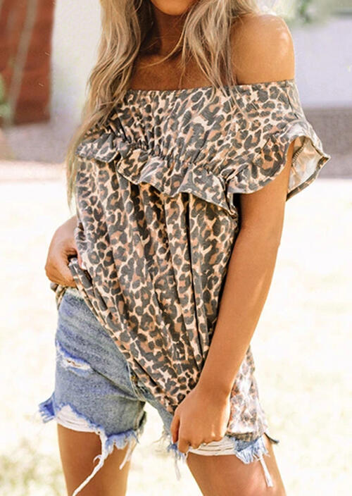 Blouses Leopard Layered Off Shoulder Blouse in Leopard. Size: S,M,L фото