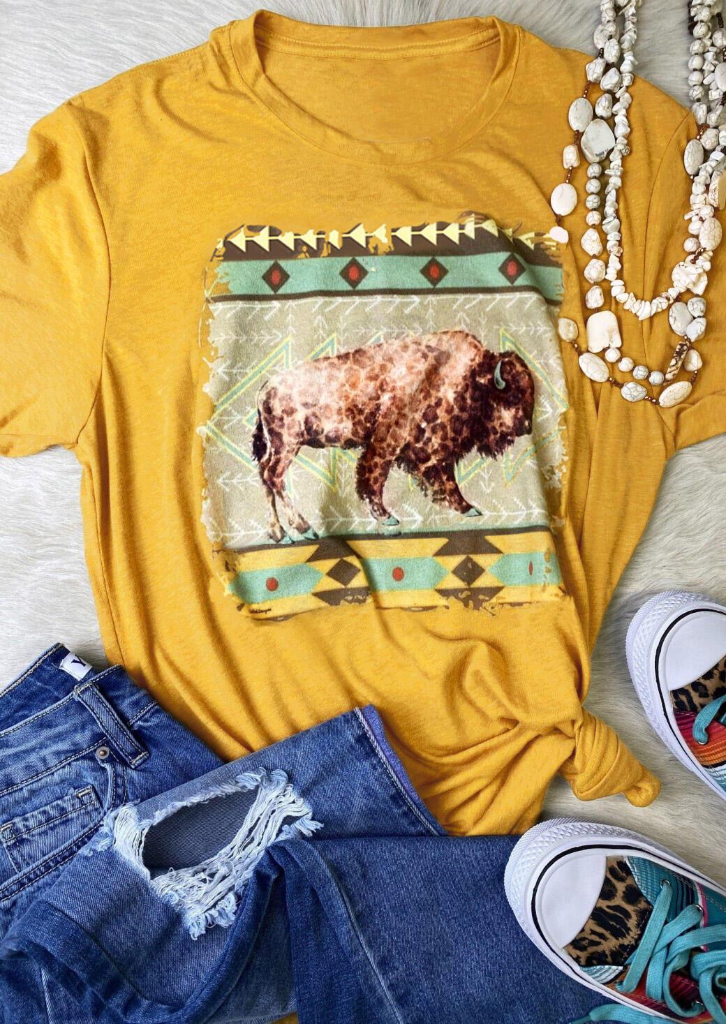 Tees T-shirts Leopard Buffalo Geometric T-Shirt Tee in Yellow. Size: S,M,L,XL фото