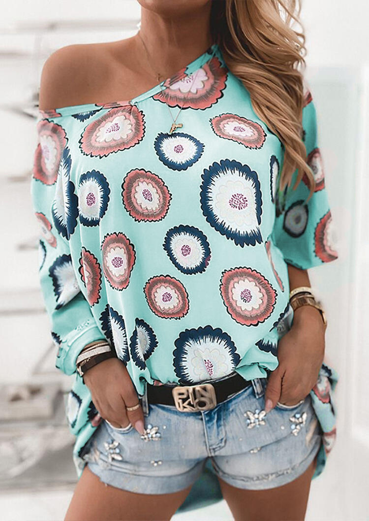 Blouses Flower Slash-Neck Blouse without Necklace in Cyan. Size: S,M,L фото