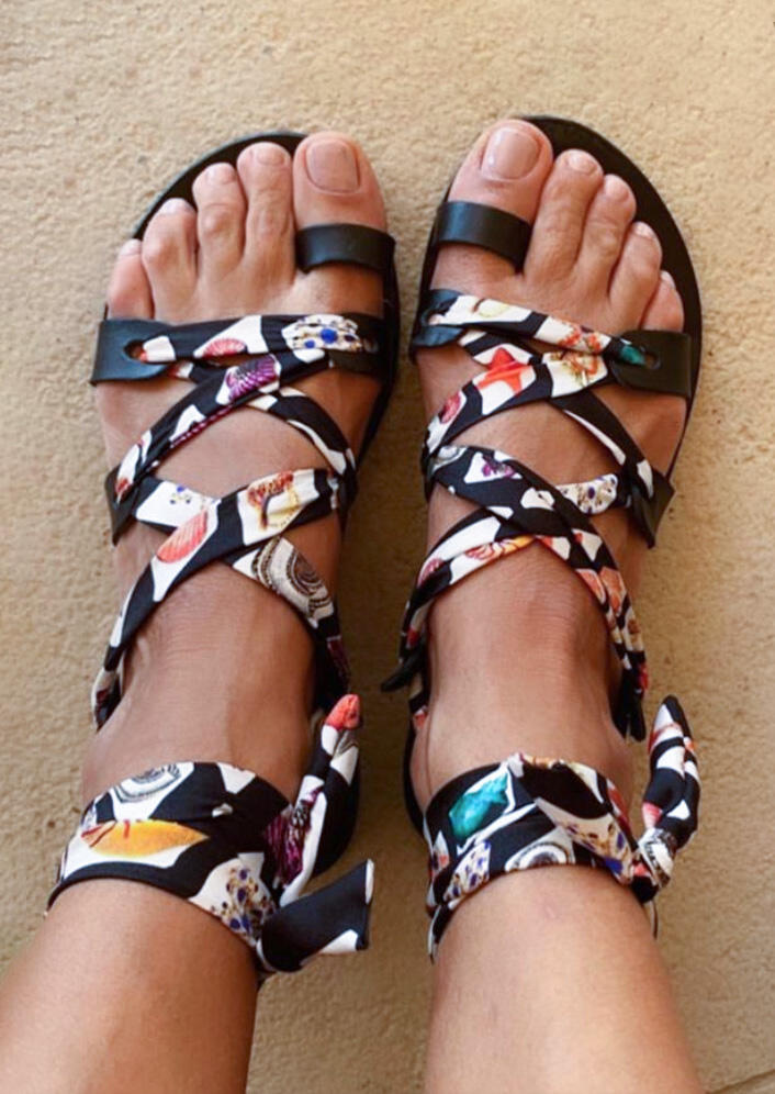 Sandals Floral Criss-Cross Flat Sandals in Multi. Size: 38,39,41 фото