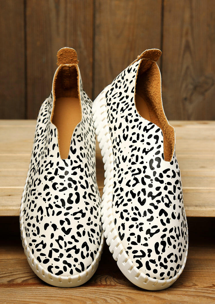 Sneakers Leopard Round Toe Slip On Flat Sneakers in White. Size: 37,40 фото