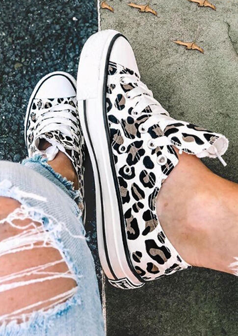 Leopard Printed Lace-Up Sneakers фото