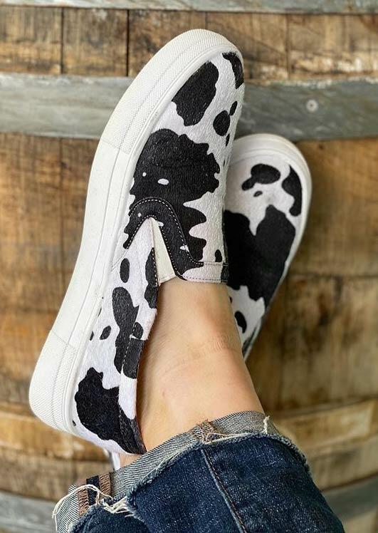 FairySeason / Cow Slip On Round Toe Flat Sneakers - White