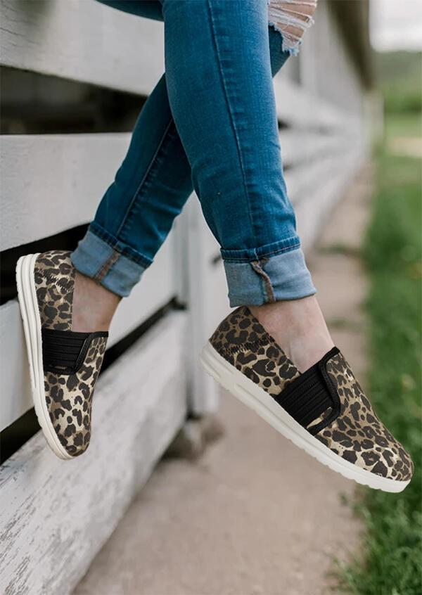 Leopard Splicing Slip On Flat Canvas Sneakers