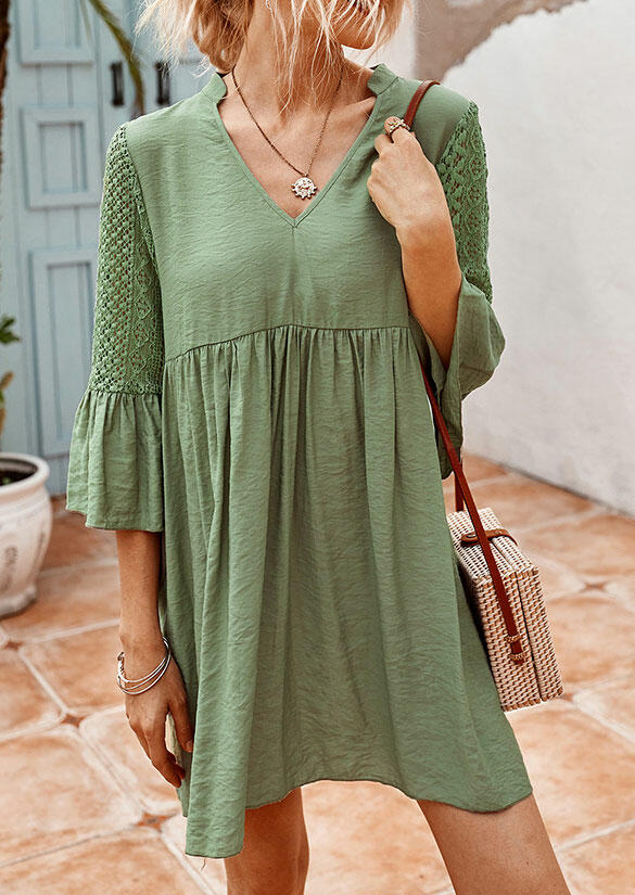 Lace Splicing Ruffled Hollow Out Flare Sleeve Mini Dress - Green