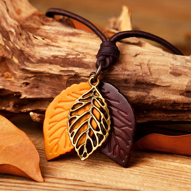 Fairyseason coupon: Vintage Hollow Out Leaf Long Sweater Rope Necklace